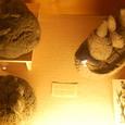 原住民と石で作られたもの