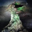 万丈窟で一番有名な 溶岩石柱