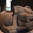 ジャガーの彫刻 背中が窪んでいる 生贄の心臓を捧げたかも