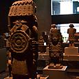 アステカ石像彫刻群