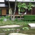 庭園と丸窓