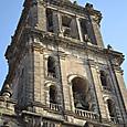 全ての石材はアステカの神殿を再利用