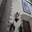 最上部に奇跡のマリア像