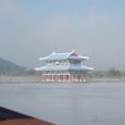 白馬江の真中に百済時代の建物