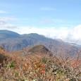 鬼面山の背景は吾妻連峰