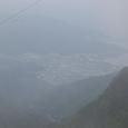 霧の彼方に河口湖 ピントが合わず撮影困難