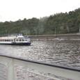 モルダウ川とクルーズ船