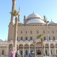 モスク前で記念写真
