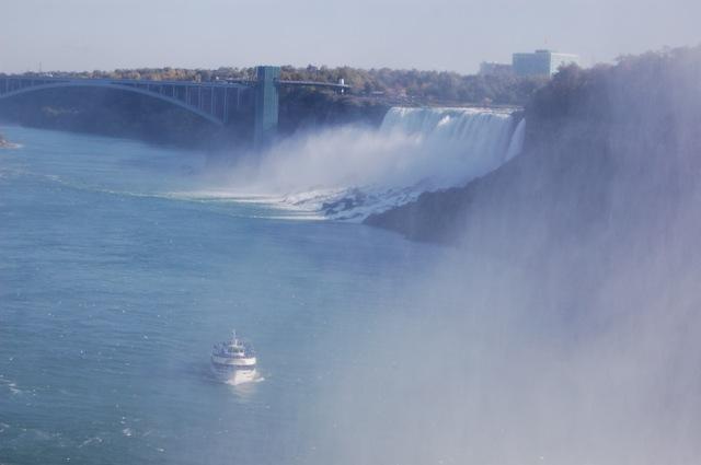 霧の乙女号とアメリカ滝