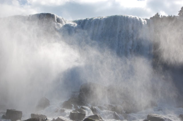 迫力のアメリカ滝