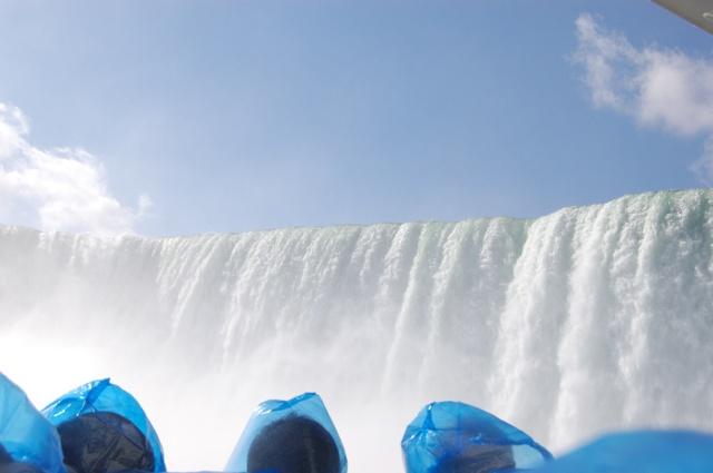 迫るカナダ滝