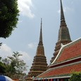 境内 タイ古式マッサージ学院と仏塔