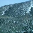 残雪残る峠