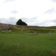 城壁に囲まれた城の跡(5千年前はストーンヘンジが存在)