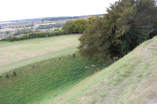 城の外側には防御陣地が存在