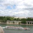 オルセー美術館からセーヌを眺む