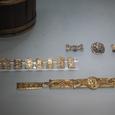 金の装飾物