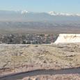 石灰棚と雪山