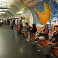 地下鉄でオルセー美術館に向かう