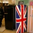 百貨店で売られる冷蔵庫