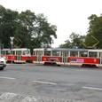 プラハ城前のトラム