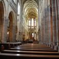 聖ヴィート教会 祭壇に向かう