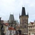 カレル橋からプラハ城 城門