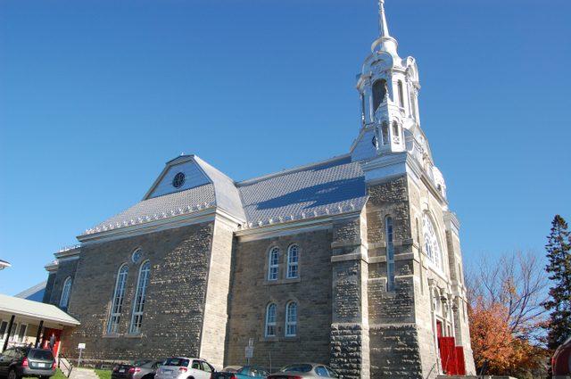 ローレンシャン高原近くの教会