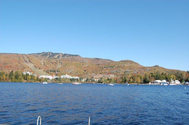 紅葉のトランブラン湖