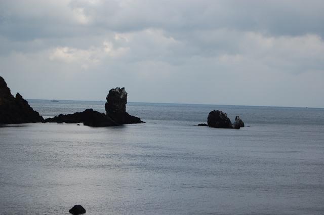 ソプチコジの海岸 彼方は九州です