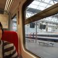 ロンドンのウォータールー駅からソールズベリー駅を目指す