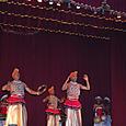 男性の勇壮な踊り キャンディアンダンス