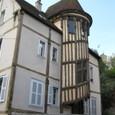 螺旋階段の家