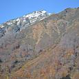 昨夜の雪で雪化粧の谷川岳