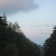 早朝5時過ぎ唐沢鉱泉 満月がでてる