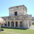 フレスコ画の神殿
