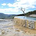 石灰棚(Hierve el Agua)です