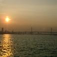 夕日とベイブリッジ